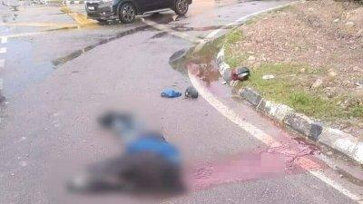 警方接获投报后抵达现场,发现仅剩下摩哆及命丧当场的死者,肇祸轿车不见踪影。