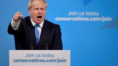 当选英国保守党党魁的约翰逊,周二在选举成绩公布后发表讲话,誓言将在10月31日万圣节,无论在有协议或没有协议的情况下,都会带领英国离开欧盟,结束拖延多时的脱欧僵局。