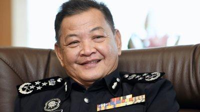 全国警察总长拿督斯里阿都哈密