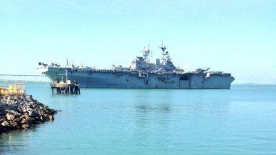 位于澳洲北领地的达尔文港设有可容纳美国军舰停泊的军事设施。但澳洲广播公司报导说,新港口可为更大型的两栖军舰提供更严谨且较不繁忙的作业基地。