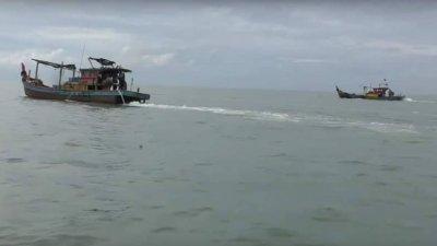 全国仅霹雳吉辇县的瓜拉古楼及角头渔村采用筐脚双拖网渔船作业方式,若此捕鱼模式在2021年后被禁,逾千渔民恐将失业,影响深远。