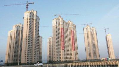 中国10月在70个大中城的市房价按年上升7.8%,连涨49个月,但升幅低于9月的8.4%。