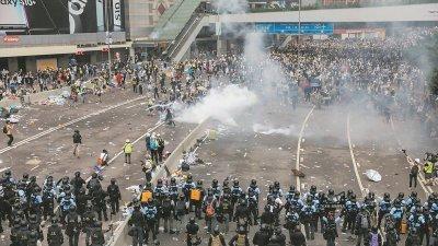 香港反送中发生至今已超过半年,大马华人对于反送中运动的关注和讨论热烈程度远高于其他国际课题,舆论发展到今天更是陷入巨大分歧。