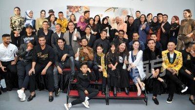 ASK 2019率先颁发几个技术性奖项为11月1日的盛事热身,一众制作人和艺人都出席发布会为活动造势。