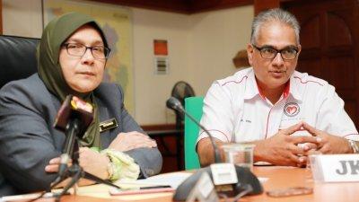 西蒂玛丽亚(左)召开记者会,发布雪州蚊症最新数据。旁为雪州卫生局副局长维鲁医生。