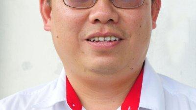 民政党副主席邱孝利。