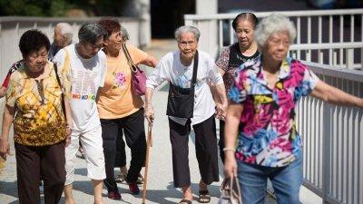 许多华人新村,开始面对人口老化的问题。