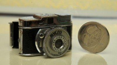 特务相机只有2吋长与1.2吋高。(摄影:甘月仙)