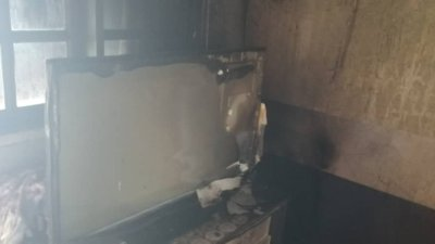 屋内被烧毁60%,女婴在无人救出下葬身火海。