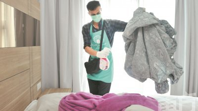 为了能更有效的防止病毒入侵旗下套房,白林套房正如其他民宿业者一般,采用了更高效杀菌消毒的喷雾剂。
