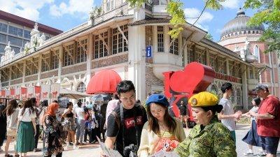 林永健说,独立广场是游客必定前往的景点,他提议在附近设立快餐车售卖我国13个州属的著名美食以推广各州特色。