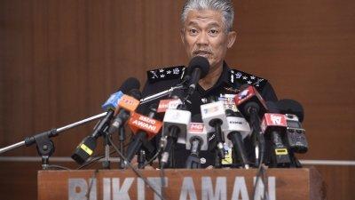 阿都拉欣向媒体记者汇报,今年行政部将执行的3大计划。